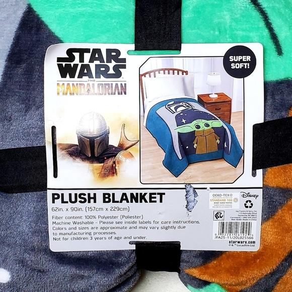 STAR WARS Mandalorian Baby Yoda Plush Blanket
